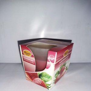 Sveca u casi jagoda